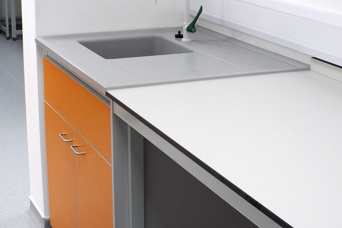 chemical resistance worktops by laboratory furniture suppliers